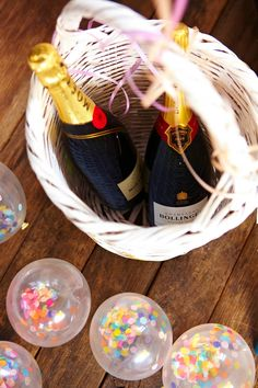 thefestiveco: event styling Moet + mini confetti balloons, natural friends.