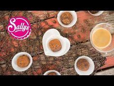 Das leckere italienische Dessert einmal ganz anders als Fingerfood – kleine Tiramisu-Kugeln. Appetisers, Candy Recipes, Four, No Bake Desserts, Finger Foods, Food And Drink, Low Carb, Sweets, Snacks