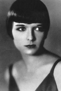 """Louise Brooks is een bekende Amerikaanse actrice uit de jaren 20 en speelde mee in stomme films. Willem zegt tijdens één van zijn eerste gesprekken met Allyson dat ze erop lijkt (dit is niet onlogisch aangezien ze een bob-kapsel heeft net zoals Louise) en geeft haar de bijnaam Lulu afgeleid van Louise. """"'Je lijkt heel erg op haar. Eigenlijk moet ik je maar Louise noemen. Nee, niet Louise. Lulu. Dat was haar koosnaampje.'"""""""