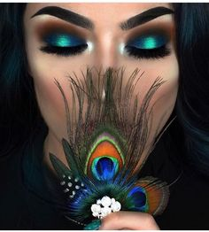 Peacock inspired dramatic eye makeup ideas If you want to try a different eye makeup look, maybe you can skip your usual smoky eye makeup, and . Peacock Eye Makeup, Dramatic Eye Makeup, Smoky Eye Makeup, Dramatic Eyes, Eye Makeup Tips, Makeup Goals, Love Makeup, Makeup Inspo, Eyeshadow Makeup