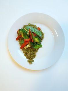 Exquisito, cremoso, y sabroso arroz integral con salsa de cilantro y coco, hecho desde cero en media hora... ¡Te va a encantar!