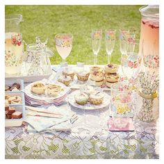 NEW POST  this seasons must haves for the perfect summer picnic! Come say hi and leave a comment  . . . .  #pr#blogger#blog#ukblogger#lifestyle#lifestyleblogger#fashion#bblogger#recipe#picnic#summer##bbq#floral#cathkidston#matalan#perfecr#next#marksandspencer