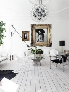 You can see a pattern this week on DailyDreamDecor, this the second Danish home featured these last few days, but it is so dreamy I couldn't refrain myself. This beauty belongs to another beauty and e