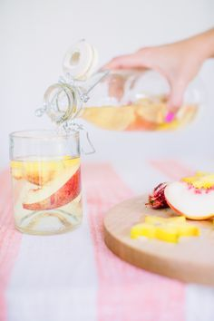 How to Throw a Colorful DIY Galentine's Day Party + Giveaway Easy Drink Recipes, Drinks Alcohol Recipes, Punch Recipes, Cocktail Recipes, Cocktails For Parties, Fancy Drinks, Summer Drinks, Fruity Cocktails, Diy Party Giveaways