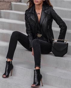girls night out outfit ideas ~ girls night in party ideas ; girls night out outfit ideas ; girls night in ; girls night in party ideas food ; girls night out outfit ideas winter ; girls night out Mode Outfits, Fashion Outfits, Womens Fashion, Woman Outfits, Classy Outfits, Trendy Outfits, Clubbing Outfits, Look Fashion, Autumn Fashion