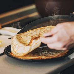 Having trouble getting a good thin crêpe? It& all got to do with the consistency of your batter, the type of pan you use and even the temperature of the pan. Read more! How To Cook Pancakes, Crepes, Food Processor Recipes, Tasty, Cooking, Breakfast, Ethnic Recipes, Consistency, Recipies