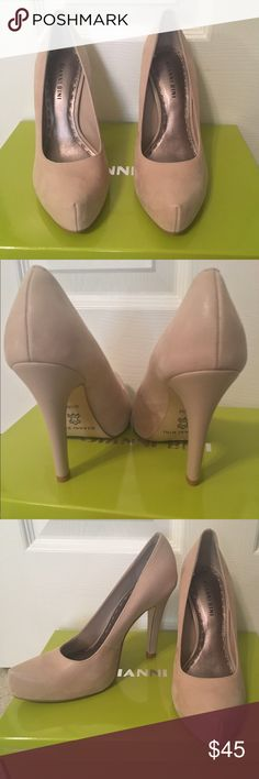 """Gianni Bini Nude Pumps 6.5 Gianni Bini Size 6.5 Nude Closed-toe pumps. Never worn but purchased as store display. Color: """"Frosty Taupe"""". Style: Honey273. Beautiful Nude Pumps that are super comfortable. Purchased originally in box marked size 6 but shoes are actually size 6.5 Gianni Bini Shoes Heels"""