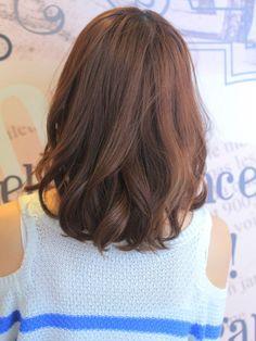 Visee line ear fray wave simple styling Natural Bob   Meieki-Shonai Dori around the beauty salon, nail salon Visee Line of hair style   Rasysa (Rashi)