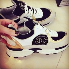 2014 cheap nike shoes for sale info collection off big discount.New nike roshe run,lebron james shoes,authentic jordans and nike foamposites 2014 online. Sneakers Box, Chanel Sneakers, Cute Sneakers, Chanel Shoes, Sneakers Fashion, Fashion Shoes, Nike Shoes Cheap, Nike Shoes Outlet, Tenis Channel