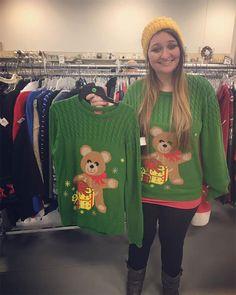 50 مرة وجد الناس أفضل الأشياء في متاجر التوفير ، أسواق السلع المستعملة ومبيعات المرآب (بلدان جزر المحيط الهادئ الجديدة) - Reali ritual Second Hand, Fleas, Thrifting, Christmas Sweaters, Flea Markets, Thrift Stores, Believe, Garage, Marketing
