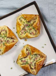 Ham and cheese puff pastry tartlets- Tartelettes feuilletées jambon – fromage Ham and cheese puff pastry tartlets – Lady Coquillette – Gourmet and creative cooking recipes - Ham Recipes, Pizza Recipes, Snack Recipes, Cooking Recipes, Cheese Puffs, Ham And Cheese, Cheese Tarts, Rigatoni, Healthy Snacks
