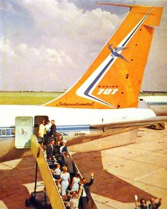 South African Airways Boeing 707. In 1972 I flew Johannesburg to Sydney Australia, stopping to refuel etc at Mauritius and Perth Australia. It was an uneventful flight and very good service by the cabin crew.