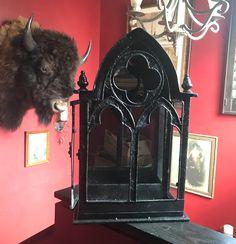 Victorian Gothic Decor, Gothic Room, Gothic Interior, Gothic House, Gothic Living Rooms, Gothic Bedroom Decor, Gothic Bathroom, Gothic Mirror, Horror Decor