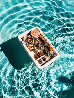 Frühstück im Pool, schwimmendes Frühstück, Floating Breakfast, Pool, Stella Island Resort & Spa, Kreta, Griechenland, Adults only, 5 Sterne