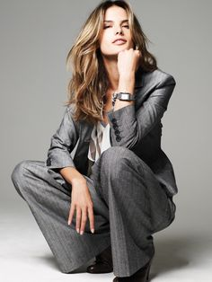 Simple-Business-Pant-Suits-For-Women-39.jpg