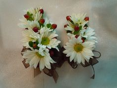 white daisies, red hypericum berries and chocolate ribbon Designed By: hillside-consultants.com Wedding Corsages, Ribbon Design, Daisies, Succulents, Berries, Chocolate, Plants, Red, Margaritas