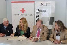 Cruz Roja Bizkaia y UPV/EHU firman un convenio para la realización de actividades solidarias reconocidas con créditos universitarios.