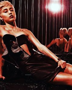Hottie #mileycyrus #smilers #queen #miley #beautiful #gorgeous #style #fashion #outfit #celebrity #celebs #actress #singer #l4l #lfl #likeforlike #like4likes #like4like #photoshoot #hottie