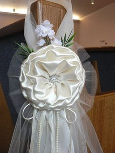 Set of 8 ivory shabby chic bows, rustic pew bows chair bows wedding Wedding Church Aisle, Wedding Pews, Wedding Chairs, Fall Wedding, Wedding Bouquets, Wedding Flowers, Church Aisle Decorations, Pew Decorations, Chair Bows