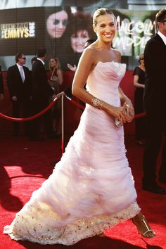 Emmy Dresses →  Sarah Jessica Parker in Chanel Haute Couture, 2003