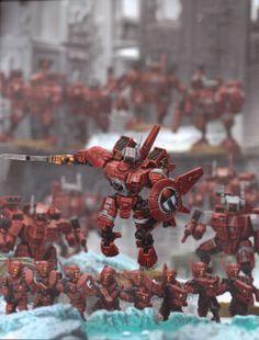 Farsight Flying into combat Warhammer 40k Figures, Warhammer 40k Art, Tau Battlesuit, Tau Army, Tau Empire, Freedom Fighters, The Grim, Art Model, Dieselpunk