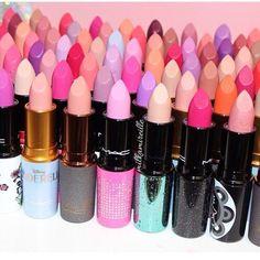 Love these great mac makeup collection Image# 0461 Cute Makeup, Lip Makeup, Makeup Brushes, Beauty Makeup, Makeup Style, Casual Makeup, Mac Lipstick Collection, Makeup Collection, Lipstick Colors