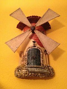 MANUALIDADES LA ANDALUZA: TEJAS Recycled Jars, Tuile, Miniature Houses, Mason Jars, Recycling, Arts And Crafts, Clock, Bird, Christmas Ornaments
