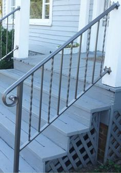 Handrail Exterior Stair Railing, Front Porch Railings, Exterior Front Doors, Front Porches, Iron Handrails, Iron Railings, House Stairs, Outdoor Projects, Wrought Iron