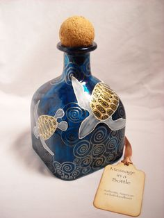 Hand Painted Decanter, Painted Bottle Art Turtle Vase, Message in a Bottle via Etsy. Wine Bottle Art, Painted Wine Bottles, Diy Bottle, Wine Bottle Crafts, Bottles And Jars, Jar Crafts, Glass Bottles, Patron Bottles, Decorated Bottles