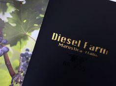 Interni: stampa digitale su carta Crush Corn di Favini. Graphic Design: Matteo Villanova. Brochure tipo Diesel Farm.