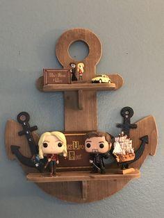 Captain Hook and Emma swan! Ouat, Once Upon A Time Funny, Once Up A Time, Killian Jones, Custom Funko Pop, Funko Pop Vinyl, Emma Swan, Funko Pop Display, Robin Hood