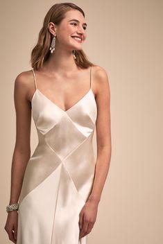 Think Globally with BHLDN's New Fashion-Forward Designer Collective - Hochzeit und Mode Satin Dresses, Elegant Dresses, Silk Dress, Beautiful Dresses, Formal Dresses, Gorgeous Dress, Modest Fashion, New Fashion, Autumn Fashion