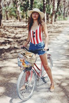 11 fourth of july outfits you can totally wear again hipster, hipsters, hipster outfits Hipster Outfits, 30 Outfits, 4th Of July Outfits, Summer Outfits, Cute Outfits, 4th July Outfit, Summer Wear, Fashion Outfits, Short Jeans