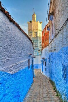 Hexagonal Minaret in Chefchaouen, Tangier-Tetouan_ Morocco Islamic Architecture, Art And Architecture, Beautiful Architecture, Marrakech, Travel Around The World, Around The Worlds, Blue City, North Africa, Places To See