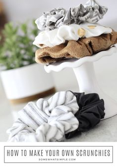 How To Make A Scrunchie The Easy Way! Who would've guessed that scrunchies would be all the rage again? But you won't believe how easy they are to actually make! Learn How To Make A Scrunchie in just a few minutes! #scrunchie #scrunchies #throwback #tutorial #sewing #hair #howto #diy