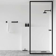 Minimalist Bathroom. Bathroom decor, Bathroom design, bathroom ideas, Bathroom Inspiration #minimalistbathroom