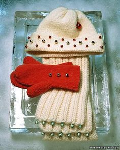 Bell Scarves, Hats and Mittens How-To