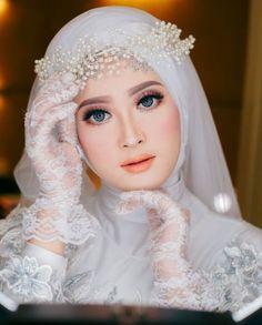 Muslim Wedding Gown, Hijabi Wedding, Muslimah Wedding Dress, Muslim Wedding Dresses, Hijab Bride, Muslim Brides, Bridal Dresses, Bridal Hijab Styles, Fantasy Gowns