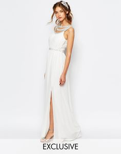 We are all about affordable wedding dresses. This maxi dress is gorgeous and budget-friendly.