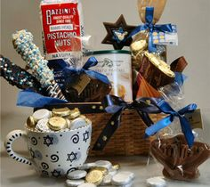 chanukkah gift basket - oh, wouldn't you just love something like that!
