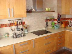 #diseño  de #cocinas Diseño de cocinas en Valdemoro madera Teide color especial encimera silestone beige #madrid #valdemoro