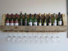 Stoer groot wijnrek met ruimte voor 12 flessen wijn