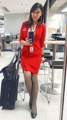 Flight Attendant Hot, Short Skirts, Tight Skirts, Flight Girls, Airline Uniforms, Tights And Heels, Pantyhose Outfits, Working Woman, Beautiful Asian Girls