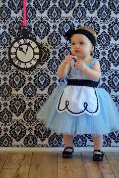 ALICE IN WONDERLAND dress retro Apron dress for girls fun for tea party handmade costume by loverdoversclothing on Etsy https://www.etsy.com/listing/220238637/alice-in-wonderland-dress-retro-apron