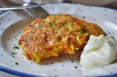 Diese Kartoffel-Karotten-Puffer lieben alle. Das Rezept ist einfach und schmeckt als Hauptspeise oder als Beilage.
