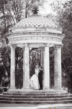 Real summer wedding in Rome, Italy.