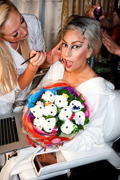 lady gaga hello kitty cupcake bouquet