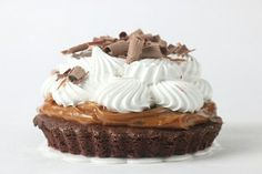 Brownie bombon tart Pastry And Bakery, Tart, Desserts, Food, Tailgate Desserts, Deserts, Pie, Tarts, Meals