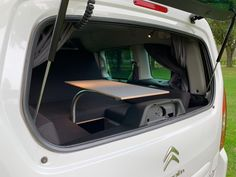 MICA Camperbox met zit, keuken en bed module! - 3DotZero Automotive BV Volkswagen Caddy, Berlingo Camper, Kangoo Camper, Minivan Camping, Chevy Van, Mini Camper, Outdoor Life, Campervan, Van Life