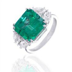 Anello smeraldo e brillanti taglio navette